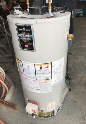 40gal, propane water heater! Year 2011 for Sale in Nashua, NH