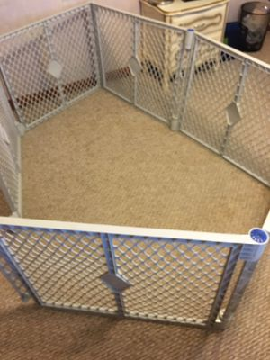 Collapsible Pen / gate for Sale in McHenry, IL