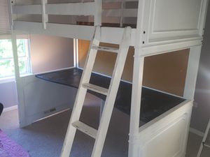Bunk bed with Desk for Sale in Bolingbrook, IL
