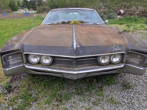 67 Riviera. For parts for Sale in Stanwood, WA