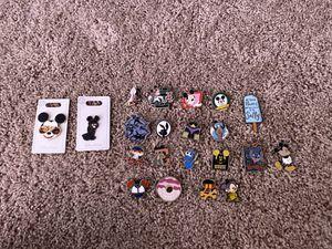 Disney trading pins for Sale in Wahneta, FL