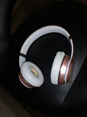 Beats by dre headphones for Sale in Houston, TX