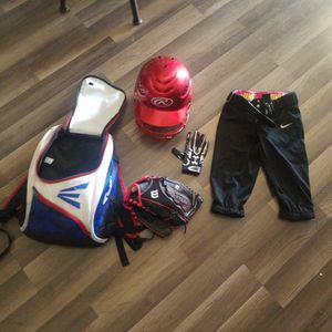 Softball Equipment For 6 To 8 Year Old Girl for Sale in Apple Valley, CA