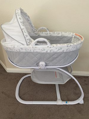 Like new bassinet for Sale in McKinney, TX
