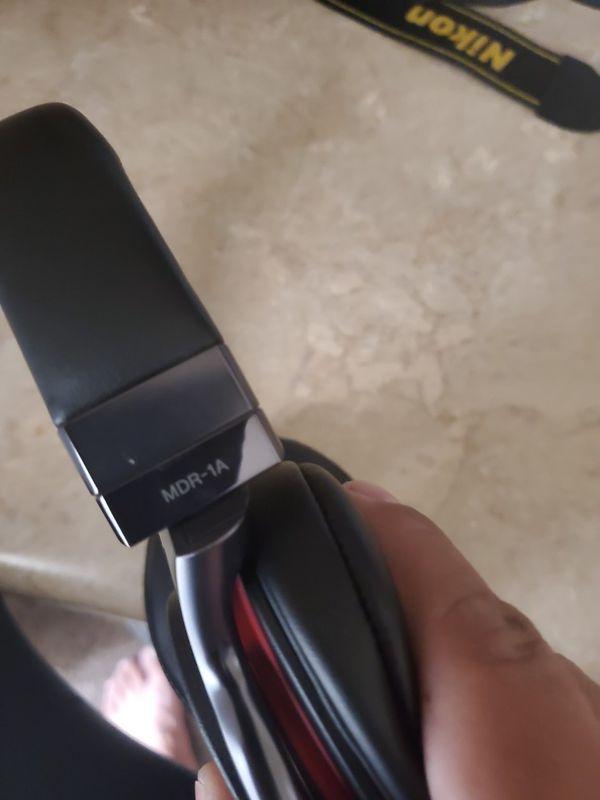 Sony studio headphones/beats buds