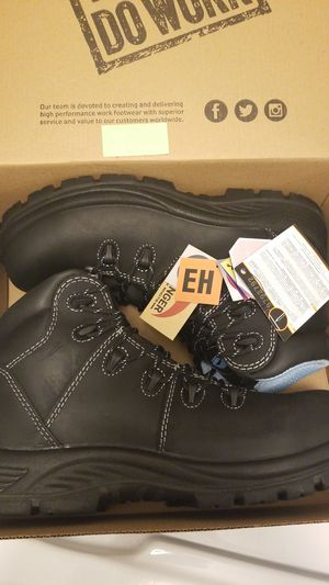 AVENGER WORK BOOTS 8.5 for Sale in Federal Way, WA
