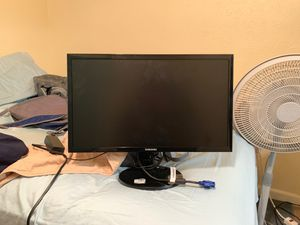 Samsung Computer Monitor w/ vga plug in cord and power cord for Sale in Coppell, TX