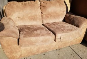 I want move very soon so I want to sale faster Couch and sofa good condition for Sale in Columbus, OH