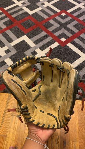 Louisville TPX baseball glove for Sale in Fort Lee, NJ