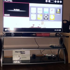 55inch LG Smart Tv With Stand for Sale in Chicago, IL