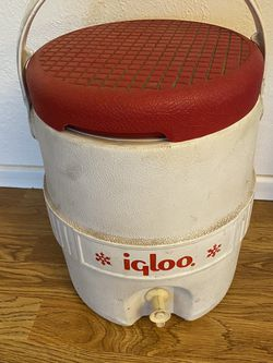 Igloo Drink Cooler Jug with Ice Tray or Food Storage for Sale in Sacramento,  CA
