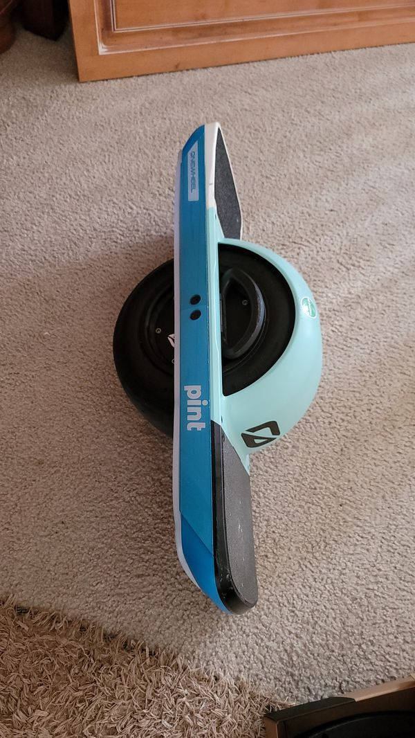 Onewheel Pint with Accessories