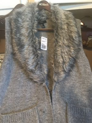 Knee length vest sweater size L gray for Sale in Ridgeland, MS