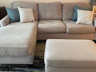 Gray Sofa with Chaise and Ottoman for Sale in Miami,  FL