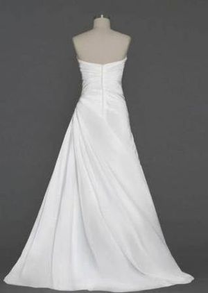 WEDDING DRESS, WOMEN'S, SIZE SMALL, WHITE WITH LACE, BEADS AND SATIN for Sale in Taylors, SC
