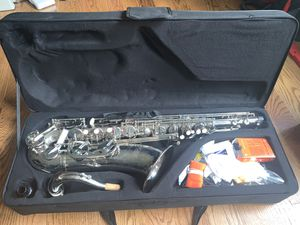 D 'luca 370 N 370 Series Plated BB Saxphone for Sale in Raleigh, NC