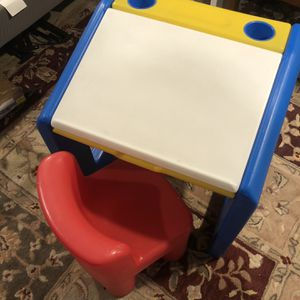 Kids Little Tikes Desk for Sale in Willow Grove, PA