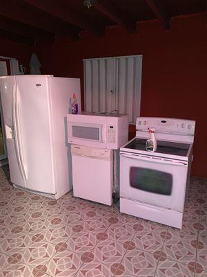 Kitchen Appliance set for Sale in Pembroke Pines, FL