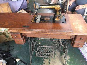 Antique Singer sewing machine for Sale in Orlando, FL