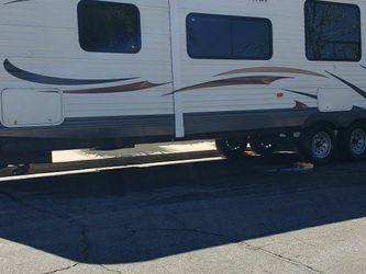 30'ft Travel Trailer for Sale in March Air Reserve Base,  CA
