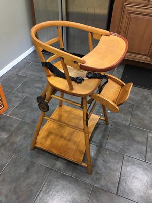 Vintage high chair for Sale in Covina, CA