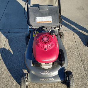 """Honda HRR216 (21"""") 3 Speeds ( commercial competitive ) (Fully Maintenance) ( Self propelled ) lawn mower ( ready to mow ) for Sale in Anaheim, CA"""