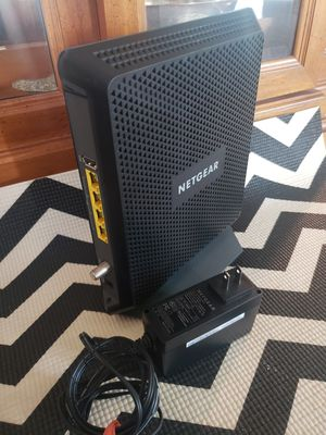 Netgear AC1900 Wifi Cable Modem Router in one for Sale in Glenview, IL