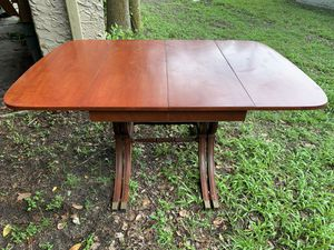Duncan Phyfe style dining table for Sale in Lakeland, FL