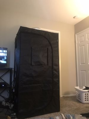 Grow tent and grow lights complete setup mars hydro for Sale in Yucaipa, CA