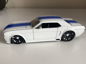 65 Ford Mustang diecast model 1:24 for Sale in Dewey, AZ
