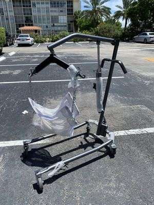 """Drive medical hydraulic patient lift with six point cradle, 5"""" casters, silver vein for Sale in Hallandale Beach, FL"""