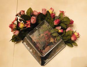 Hanging glass vase w/silk flowers & potpourri for Sale in Katy, TX