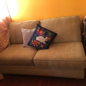 Olive green couch for Sale in Los Angeles, CA