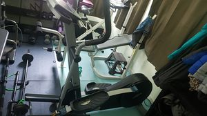 NordicTrack cxt 980 elliptical for Sale in Spanaway, WA