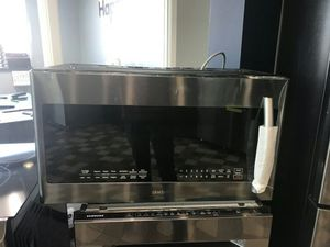 Samsung Microwave Oven for Sale in East Saint Louis, IL