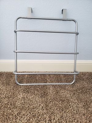 """Over The Door Bath and Hand Towel Rack by LDR   3 Bars of Varying Depth, Quality Metal Construction, Chrome Finish, Fits Doors Up to 1½"""" Thick for Sale in Portland, OR"""