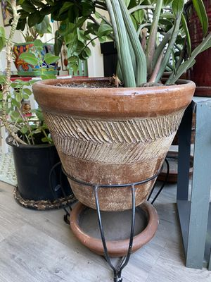 Two Medium Size Clay Pots/ 3 piece Sets for Sale in Los Angeles, CA