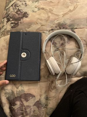 iPad mini with Bluetooth key board & Dr. Dre Solo beats combo for Sale in Norfolk, VA