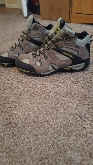 Merrell Hiking Boots size 9.5 for Sale in Tampa, FL
