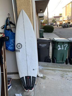 Jensen 5'9 surfboard with fins for Sale in Huntington Beach, CA