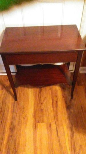 End Table for Sale in Mount Hope, KS