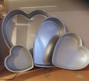 4 pc Heart Cake Pan Set for Sale in Gainesville, VA