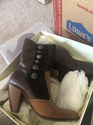 True religion boots in box, brand new Nina shoes in box, black guess, mauve hues, Aldo cork bottom in box for Sale in Seattle, WA