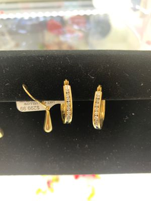 Diamond oval shaped earrings for Sale in Phoenix, AZ