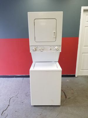 """24 """" apartment size electric dryer washer combo for Sale in Aurora, IL"""