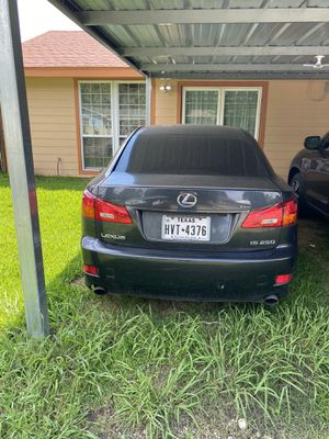 Lexus 250 2006 salvage title My son don't use any more have new car is taking up space in my garage only for Sale in Pasadena, TX