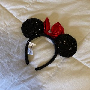 Disneyland Minnie Mouse Sequin Ear Headband for Sale in Los Angeles, CA