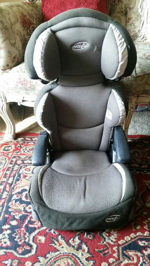 Car booster seat for Sale in Tampa, FL