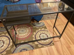 Small desk for Sale in Silver Spring, MD