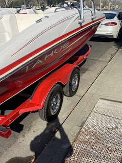 2008 Tahoe 21 Foot Chevy V 6 like new all new upholstery inboard outboard open ball for Sale in Pleasanton,  CA